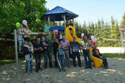 Die Giesensdorfer Kinder nahmen den neuen Spielplatz in Besitz.