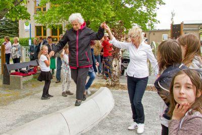 Foto zur Meldung: Eröffnung intergenerativer Schulhof