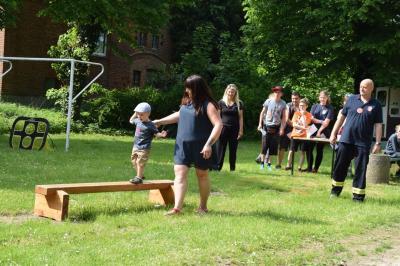 Vorschaubild zur Meldung: Begegnung bei Bewegung - viel Spaß beim Sportfest in Quitzow