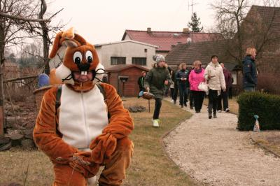 Foto zur Meldung: Osterhase zum Saisonstart im Kräutergarten Oppelhain
