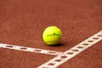 Vorschaubild zur Meldung: Tennis-Teams vor schweren Aufgaben