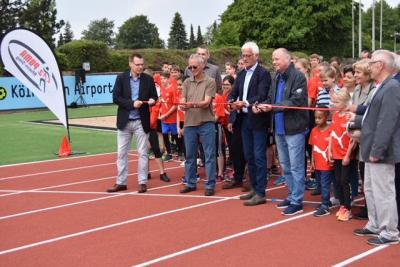 Foto zur Meldung: Einweihung des renovierten Walter-Mundorf-Stadions
