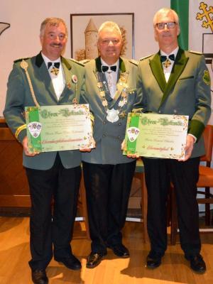 Neue Ehrenmitglieder im Bezirksverband