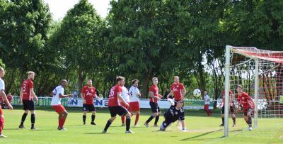 Foto zur Meldung: + + + Fußball Landesliga West Nachholspiel + + +
