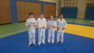 Foto zur Meldung: Judoka legen erste Prüfung ab