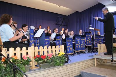 Vorschaubild zur Meldung: Musikverein Waldsolms und Blasorchester der Feuerwehr Homberg/Ohm musizierten gemeinsam