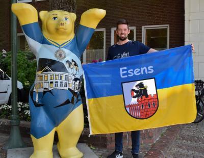 Foto zur Meldung: Die Esens-Fahne ist wieder erhältlich
