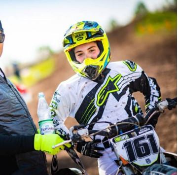 Foto zur Meldung: Nachwuchstalent Maxi Holzapfel mit Top Ergebnissen im Motocross