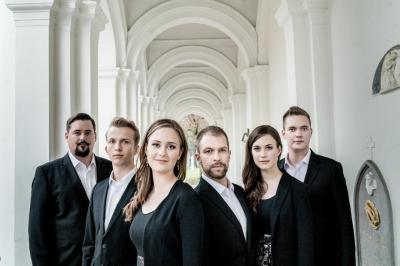 Sechs junge Sängerinnen und Sänger aus Ljubljana in Slowenien bilden zusammen das Ingenium Ensemble.