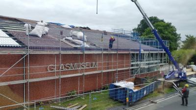 Vorschaubild zur Meldung: Glasmuseum: Glas- und Porzellanflohmarkt 2018 wird verschoben!