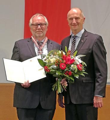 Prof. Dr. Günter Morsch mit Brandenburgs Ministerpräsident Dr. Dietmar Woidke