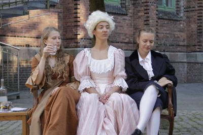 Vorschaubild zur Meldung: Mitsommernachtstheater zu Frauen um Goethe