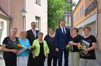 Foto zur Meldung: 25. Brandenburgische Seniorenwoche in OSL eröffnet / Sechs Frauen für ihr Engagement ausgezeichnet