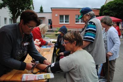 Vorschaubild zur Meldung: Straßenfest der Regionalen Kontakt- und Informationsstelle für Selbsthilfegruppen in Perleberg