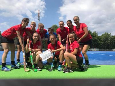 Foto zur Meldung: 1. Damen der PSU steigen in die Oberliga auf