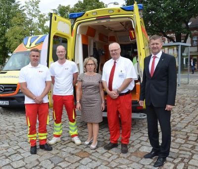 Foto zur Meldung: Neuer Rettungswagen für DRK Calau