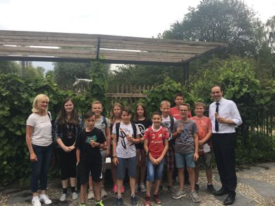 Foto zur Meldung: Besuch der Klasse 6 im Landtag