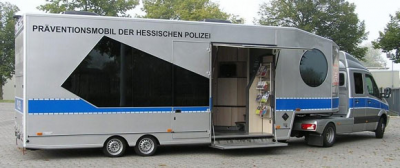 Am Dienstag, 26. Juni, von 10 bis 16 Uhr ist das Präventionsmobil der Hessischen Polizei auf den Parkplatz des Braubachcenters in Maintal-Dörnigheim. Foto: Polizei
