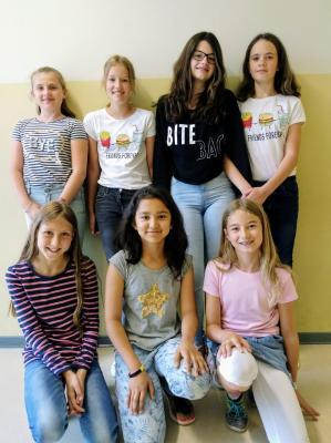 """Vorschaubild zur Meldung: Die Klasse 5d gewinnt den Sonderpreis des Schreib- und Kreativwettbewerbs """"Big Jump"""" zum Welttag des Buches 2018"""