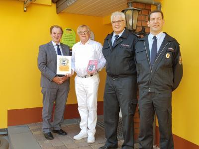 Foto zur Meldung: Hausärztliches MVZ Dr. Brenner aus Rheinböllen ist Partner der Feuerwehr