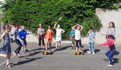 Foto zur Meldung: Neue Spielgeräte für Röslauer Grundschulkinder