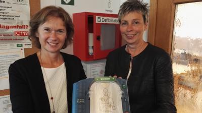 Foto zur Meldung: Defibrillator für die Seniorenbegegnungsstätte in Holzwickede