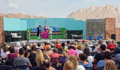 Sommertheater auf dem Salzberg Zielitz -  die Vorstellungen des Holzhaustheater sind stets gut besucht
