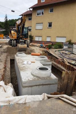 Vorschaubild zur Meldung: Baustelle Luisenstraße: Regenüberlauf eingebaut