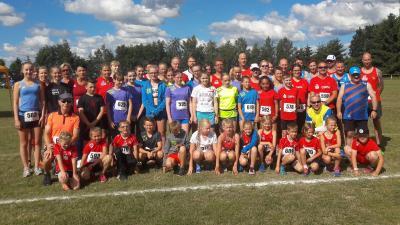 Foto zur Meldung: 60 Laager Ausdauersportler starteten beim Cuplauf in Steinhagen
