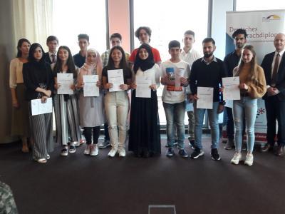Foto zur Meldung: 6 Schülerinnen und Schüler der AFG unter den Landesbesten beim Deutschen Sprachdiplom!