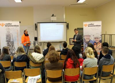 Vorschaubild zur Meldung: Vom Altenpfleger bis zum Zweiradmechaniker- Ausbildungstag an der OBS I