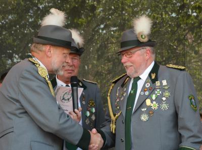 Foto zu Meldung: Königswürden für Bürger und Mitglieder der Schützengilde vergeben