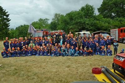 Foto zu Meldung: Mit Feuereifer dabei: Dorffest und Stadtjugendfeuerwehrtag gefeiert