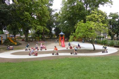 Leserbrief der Sportkita Falkennest: Unbegrenzter Rollerspaß auf der neuen Fahrbahn