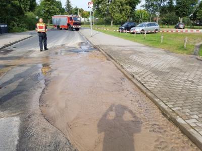Die Trinkwasserleitung in der Rosenstraße ist alt. In den vergangenen Jahren kam es mehrfach zu Havarien.