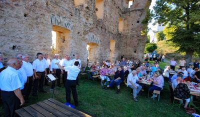 Foto: Burgfest bei herrlichem Sommerwetter