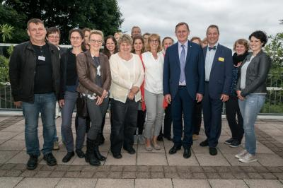 Die Thüringer Landschaftspflegeverbände mit Thüringens Ministerpräsident Bodo Ramelow