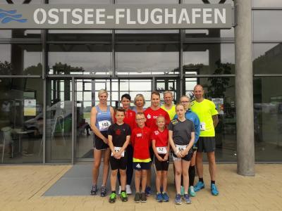 Foto zur Meldung: 1. Barther Flughafenlauf feiert eine erfolgreiche Premiere