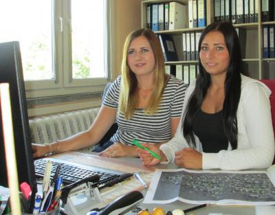 Foto zur Meldung: Neue Mitarbeiterinnen im Amt