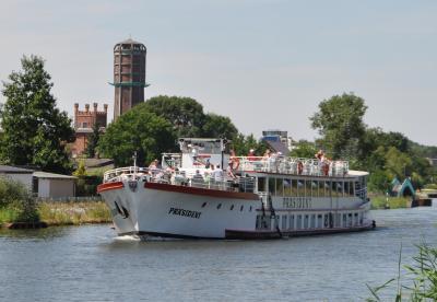 Foto zu Meldung: Weitere Schiffstour auf dem Elbe-Havel-Kanal von Genthin in Richtung Brandenburg am 05. August 2018 mit der Reederei Kaiser