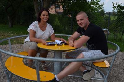 Vorschaubild zur Meldung: Neue Spielgeräte im Wert von 4243 Euro für den Spielplatz in Leimrieth