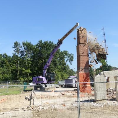 Foto zur Meldung: Schornstein abgerissen