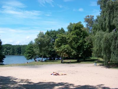 Gute Alternative zum (Brücken-)Sprung in die Havel: Der Lehnitzsee