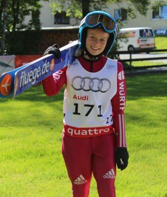 Foto zur Meldung: Erfolgreiche Ruhlaer Skispringerinnen # Cindy springt auf Platz 2