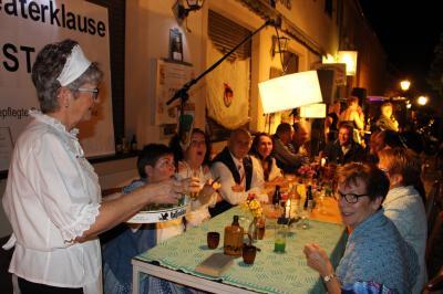 Vorschaubild zur Meldung: Altstadtfest mit Abendspaziergang und Orchesterfestival