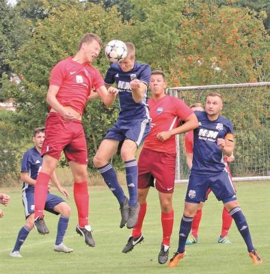 Foto zur Meldung: I. Herren -  Nach 2:1-Coup bei Eintracht Leinetal im Bezirkspokal-Achtelfinale