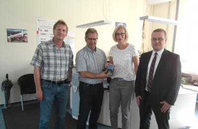 Von links: R. Enderle, Gemeinschaftsvorsitzender M. Dannhäußer, S. Schmidt vom Bürgerbüro, Herrn Fuchs von der Sparkasse Bayreuth