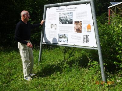 Helmut Harder am Lehrpfad Großalmerode