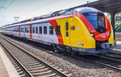 Neue Fahrzeuge der Hessischen Landesbahn haben jetzt die Zulassung für den Einsatz im Linienverkehr erhalten. Archivbild (© Hessische Landesbahn GmbH)