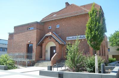 Tag der offenen Tür - zum Stadtfest lädt auch die Stadtbibliothek zum Lesen und Schmökern ein